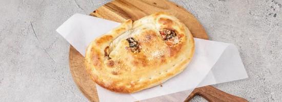 Pizza bella calzones